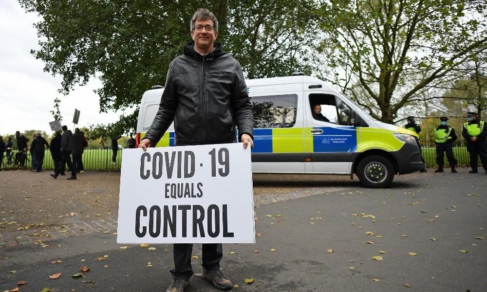 LIVE: Proteste gegen die Corona-Maßnahmen in London