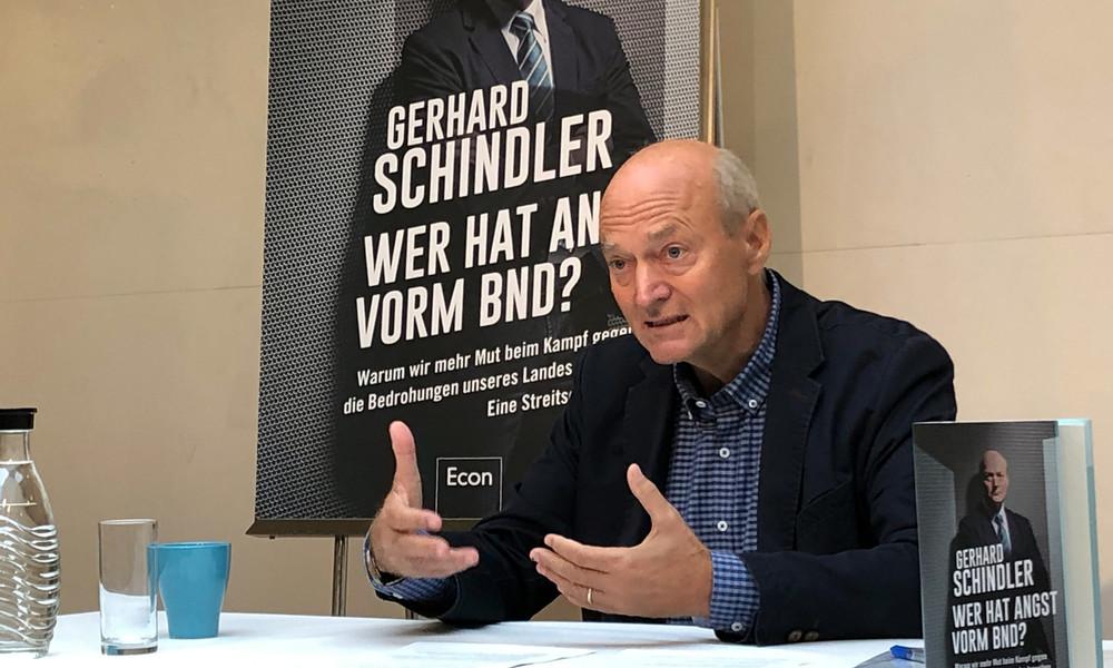 Ex-BND-Chef Schindler kritisiert Merkels Flüchtlingspolitik und fordert Neuordnung der Geheimdienste