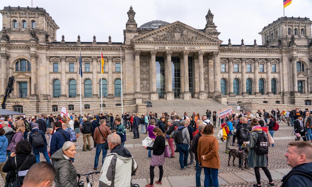 Berliner Polizeipräsidentin will Versammlungsfreiheit weiter einschränken