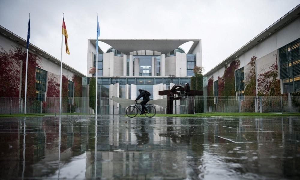Seehofer warnt im Kanzleramt: Nächster Lockdown ist unvermeidlich