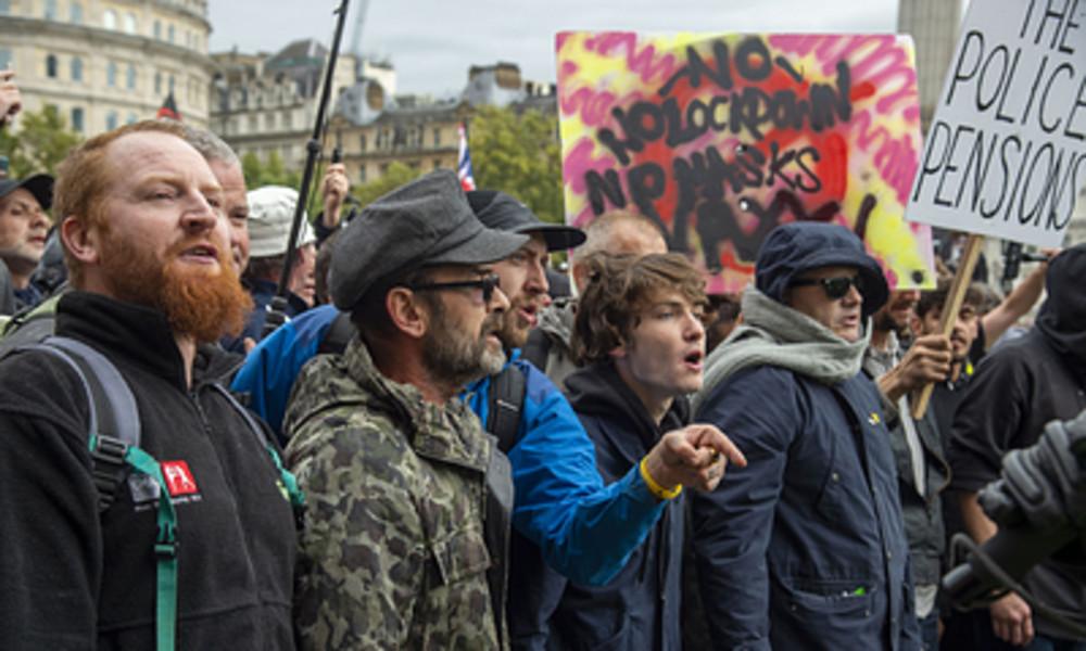 LIVE aus London: Protest gegen Verschärfungen der Coronamaßnahmen