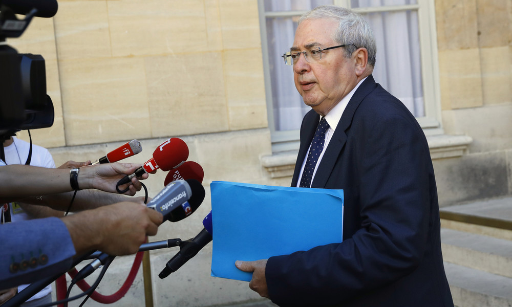 Nach Enthauptung eines Lehrers in Conflans-Sainte-Honorine: Ex-Bürgermeister ruft zu Einigkeit auf