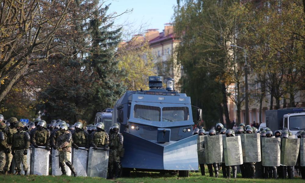 Protestmarsch in Belarus – Polizei gibt Warnschüsse in Luft ab