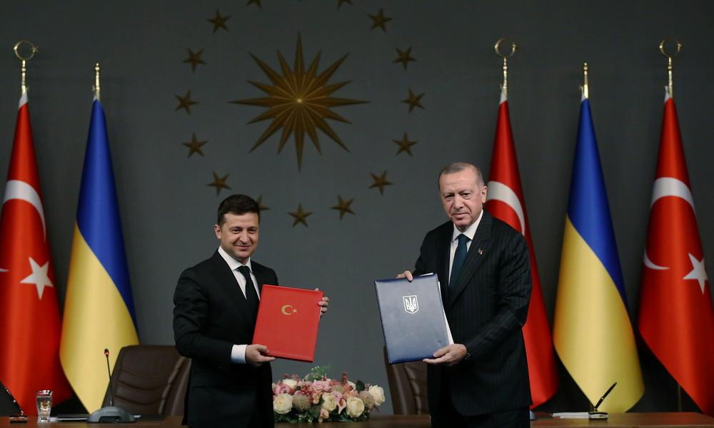 Istanbul: Ukraine und Türkei unterzeichnen Militärabkommen