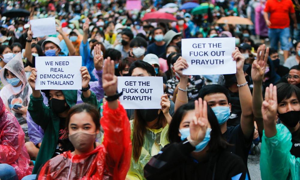 Thailand: Protestierende fordern Rücktritt der Regierung und Reform der Monarchie