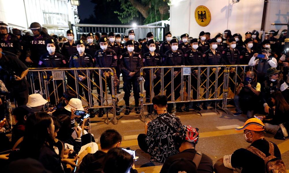 Regiert Thailands König von Bayern aus? Heiko Maas droht mit Konsequenzen