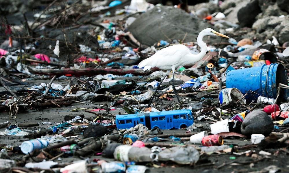 Mare Plasticum: Mehr als 200.000 Tonnen Plastik gelangen jährlich ins Mittelmeer