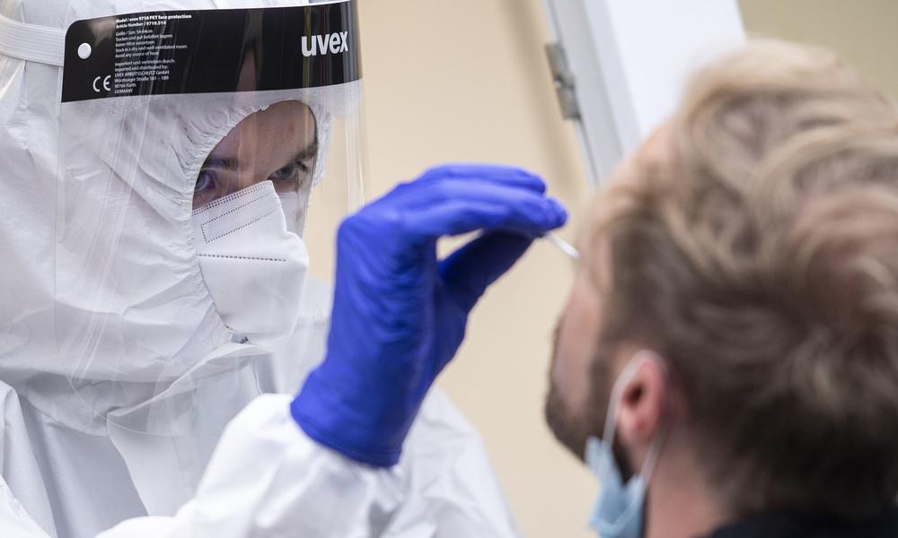 Panne in Augsburger Labor: 58 von 60 Corona-Tests falsch positiv