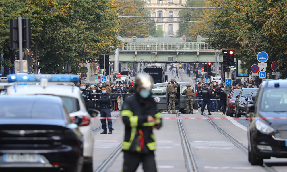 LIVE: #Nizza06 – Mutmaßlicher Terroranschlag in Kirche mit mindestens 3 Toten erschüttert Frankreich