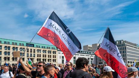 Protestdemonstration der Corona-Gegner - Berlin
