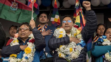 Präsidentschaftskandidat Luis Arce (rechts) und der Vize-Präsidentschaftskandidat David Choquehuanca (links) von der Partei Movimiento al Socialismo (MAS) hätten gute Chancen auf einen Wahlsieg.