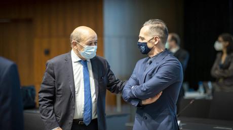 Der deutsche Außenminister Heiko Maas und sein französischer Amtskollege  Jean-Yves Le Drian beim Treffen der EU-Außenminister in Luxemburg
