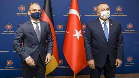Archivbild: Der türkische Außenminister Mevlüt Cavusoglu empfängt seinen deutschen Amtskollegen Heiko Maas in Ankara. (25. August 2020)