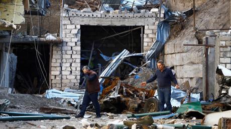 Ein durch angeblichen Militärbeschuss beschädigtes Haus in Stepanakert, Bergkarabach. 13. Oktober 2020