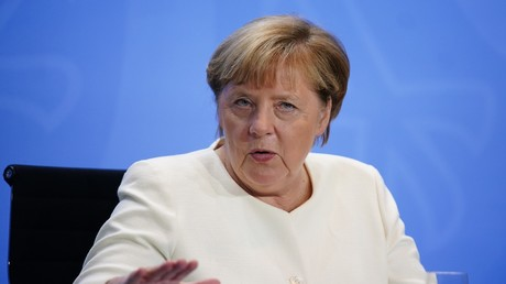 Bundeskanzlerin Merkel plant, bereits ab 35 testpositiven Personen pro 100.000 Einwohner Maßnahmen gegen die steigende Zahl der
