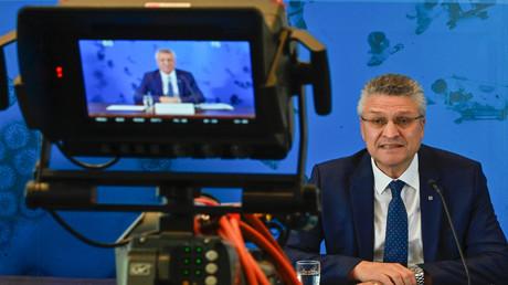 Der Leiter des dem Bundesgesundheitsministerium direkt unterstellten Robert Koch-Instituts (RKI) Lothar Wieler bei einer Pressekonferenz zur Corona-Krise. Dessen Stellungnahmen sind maßgeblich für die in Deutschland getroffenen Corona-Maßnahmen.