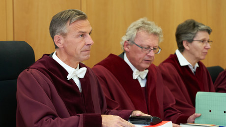 Verfassungsrechtler Lars Brocker (links im Bild) übte scharfe Kritik an der Corona-Politik, die zunehmend in Konflikt mit der Verfassung gerät.