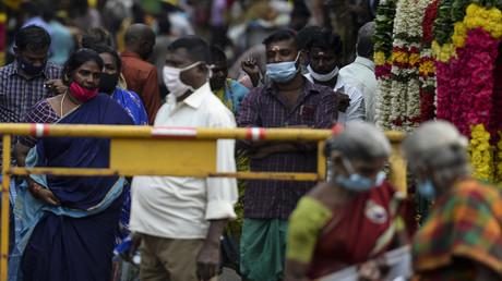 Indien gibt grünes Licht für Studie an Corona-Impfstoff aus Russland (Symbolbild)