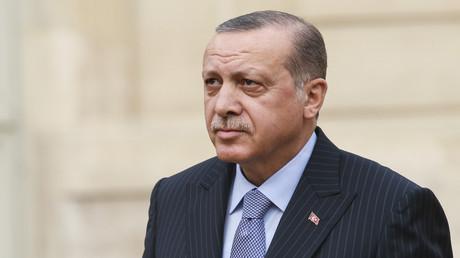 Im jüngsten Streit zwischen Frankreich und der Türkei rief Erdoğan zum Boykott französischer Waren auf.