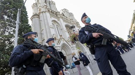 Terrorattacke von Nizza: Ermittler suchen mögliche Komplizen des Angreifers.