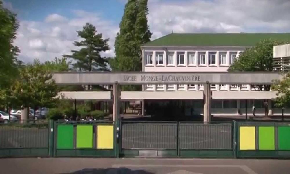 Frankreich: Vermummte bewerfen Teilnehmer von Gedenkveranstaltung für Samuel Paty