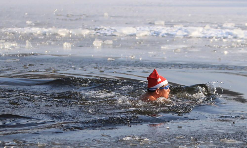 Für Körper und Geist: Briten baden pandemiebedingt öfter in kaltem Wasser