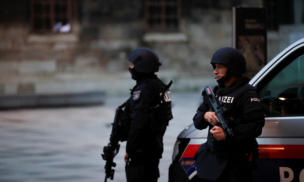 Österreichs Innenminister: Getöteter Attentäter war IS-Sympathisant