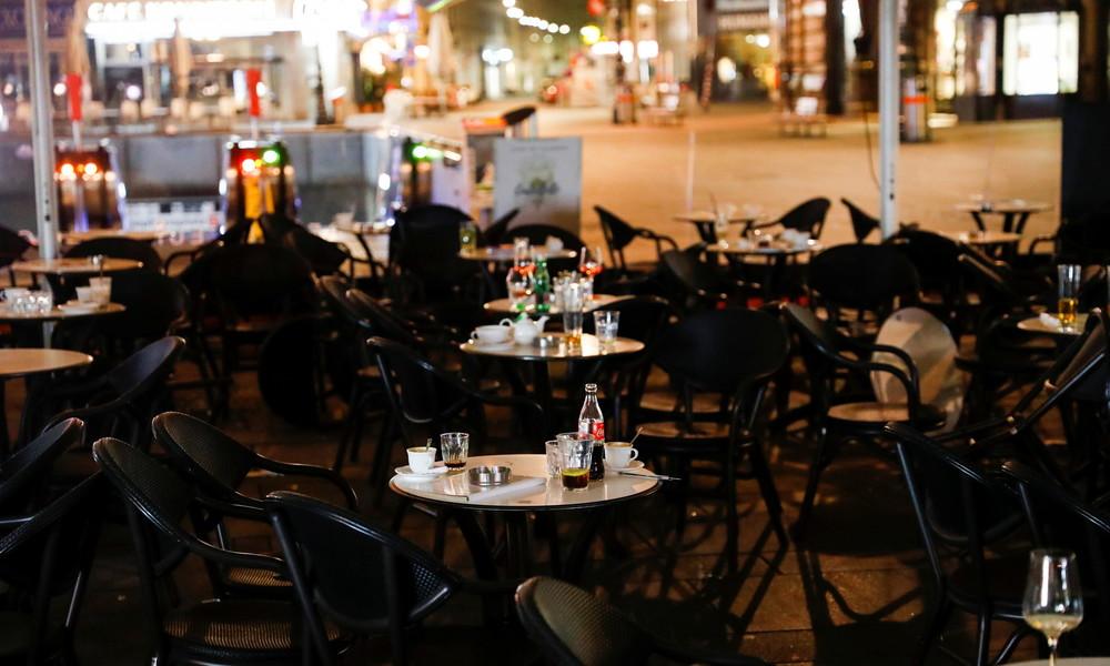 Augenzeugen berichten über Anschlag von Wien: Attentäter schossen gezielt auf Menschen vor Bars