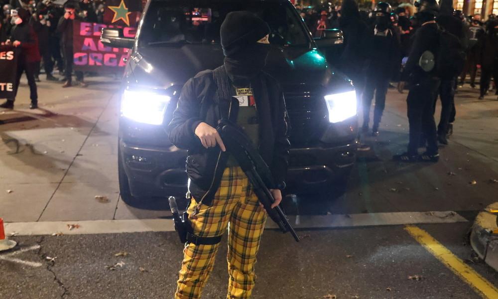 US-Wahlen: Gewalt und Randale bei Protesten landesweit – Nationalgarde in Portland aktiviert (Video)