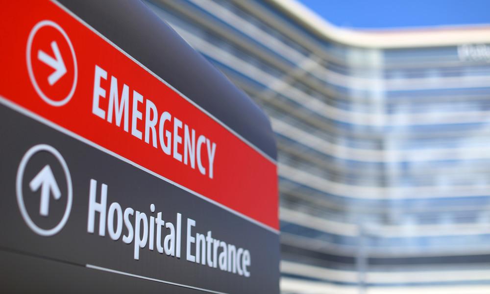Spenderherz mit Schwerkraft: Organ überlebt Bruchlandung und Sturz eines Krankenhausmitarbeiters