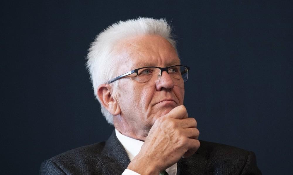 "Ministerpräsident Winfried Kretschmann spricht von ""Durchimpfung"" der Bevölkerung"