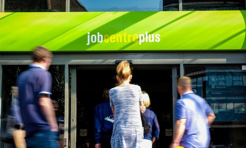 Arbeitslosigkeit in Großbritannien steigt auf Vier-Jahres-Hoch