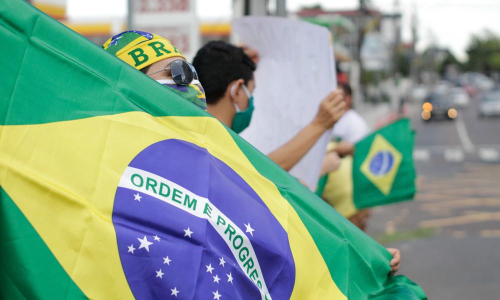 Attentate, uneinige Linke und kandidierende Militärs: Richtungsweisende Kommunalwahlen in Brasilien
