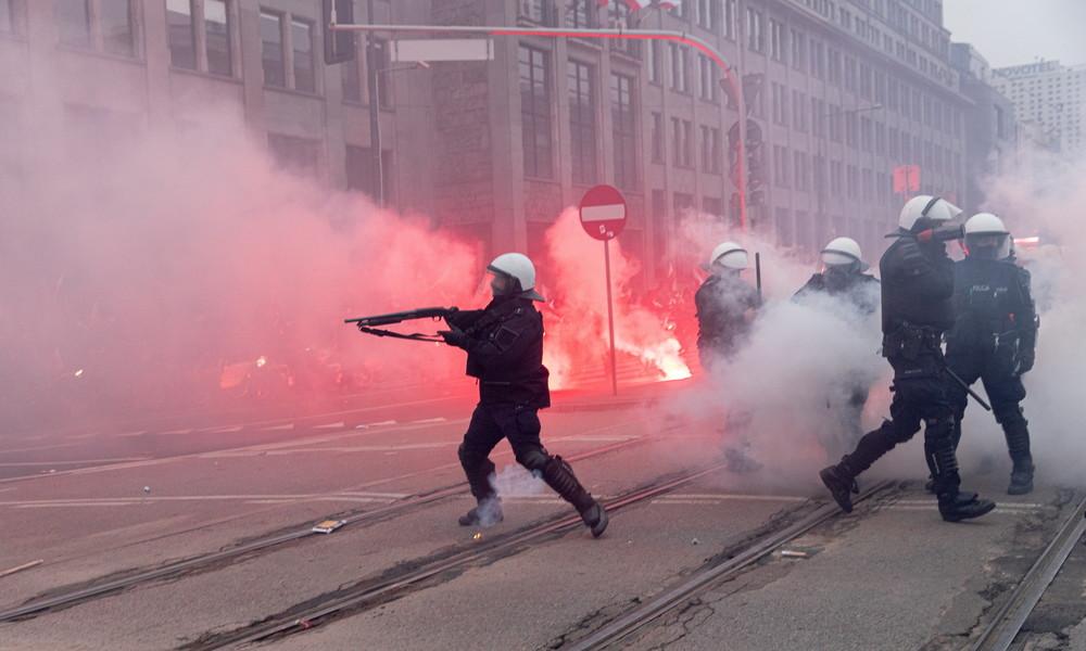 Krawalle in Warschau: Polizei nimmt mehr als 300 Menschen fest