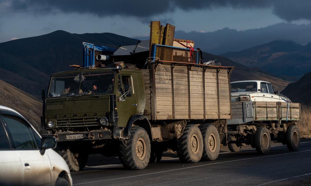 Bergkarabach: Waffenruhe hält, Einwohner verlassen Häuser vor Landübergabe an Aserbaidschan