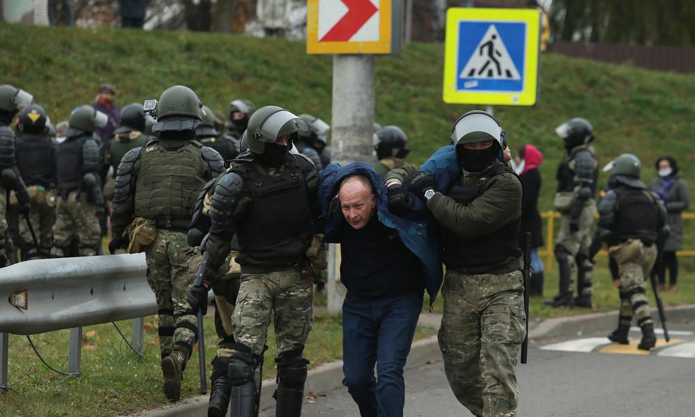 Nach Tod eines Oppositionsanhängers: Knapp 1.300 Festnahmen bei Sonntagsprotesten in Weißrussland