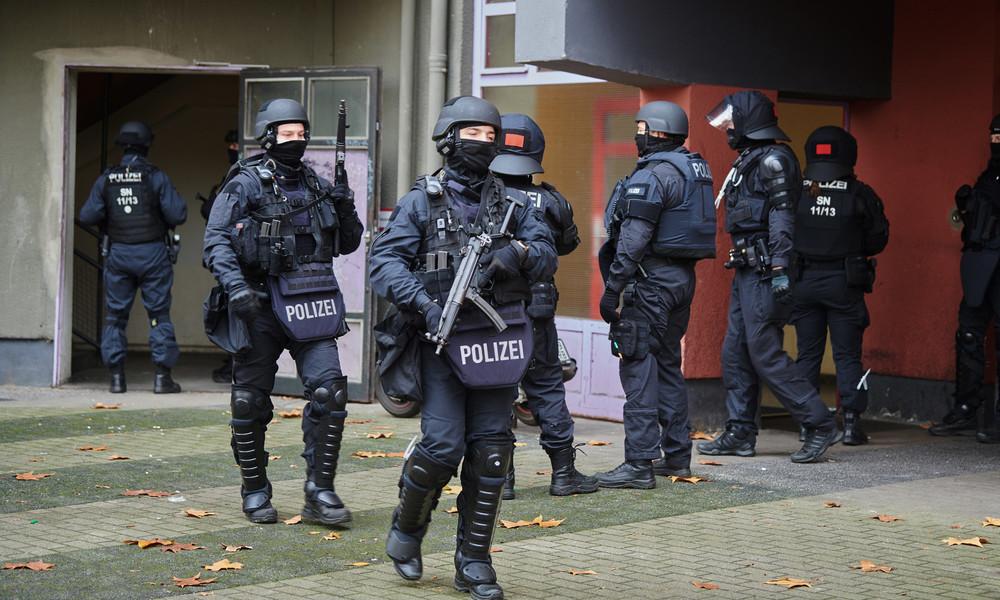LIVE: Razzien und Verhaftungen in Berlin im Zusammenhang mit Juwelenraub im Dresdner Museum