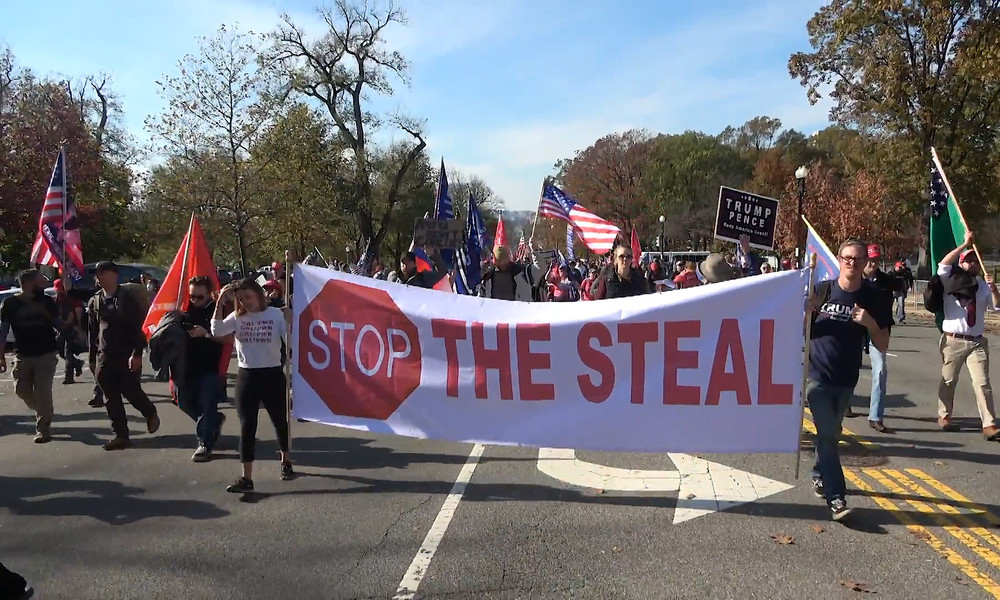 """Gestohlene US-Präsidentschaftswahl? – """"Stop the Steal""""-Proteste in den USA gehen weiter (Video)"""