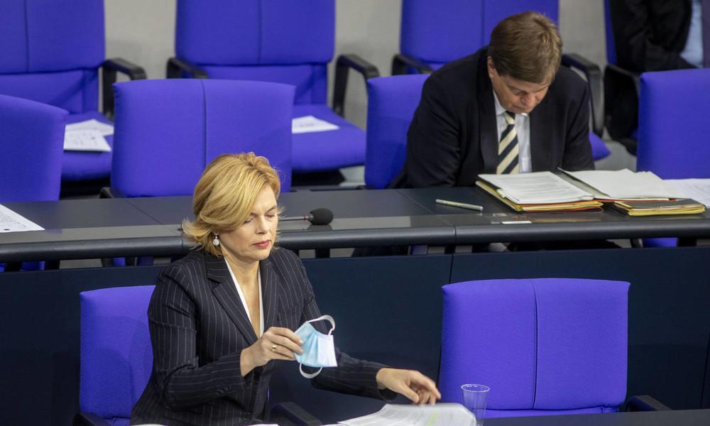 """Bundesministerin Julia Klöckner warnt vor """"Schwarmdummheit"""""""