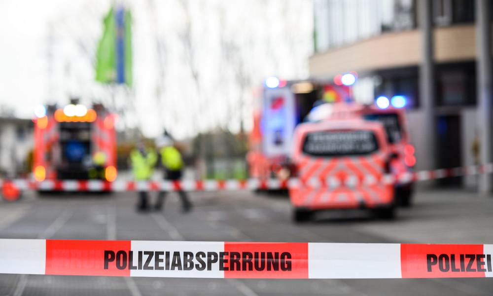 Frankfurt am Main: Auto fährt auf Bürgersteig – mindestens zwei Tote
