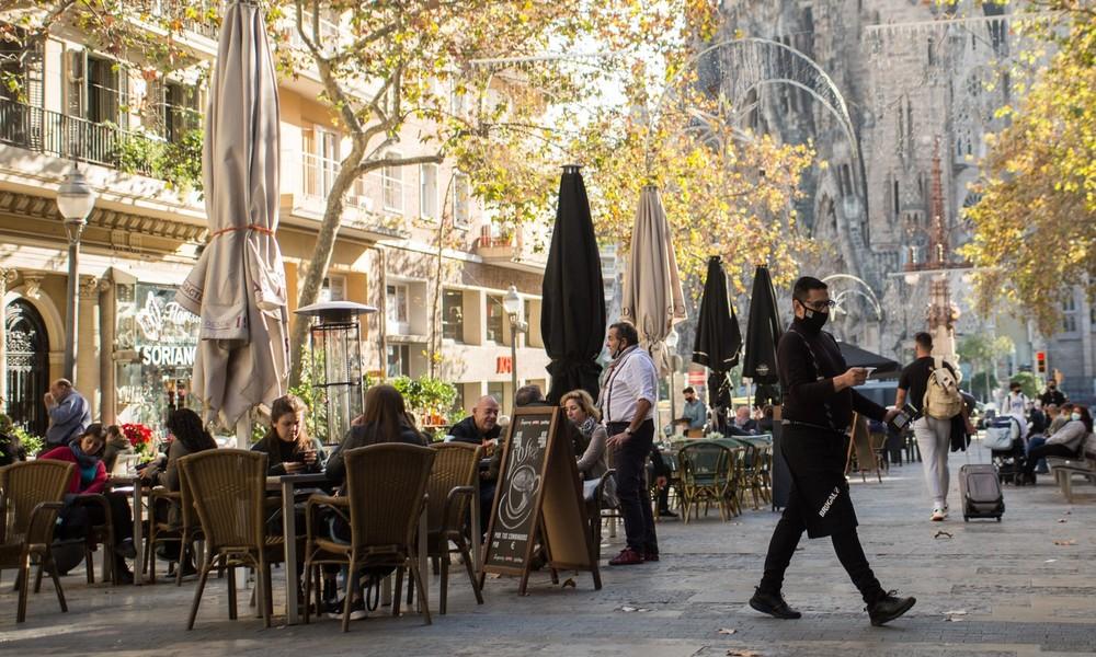 Katalonien fährt öffentliches Leben hoch – Gaststätten, Kinos und Theater in Barcelona öffnen wieder