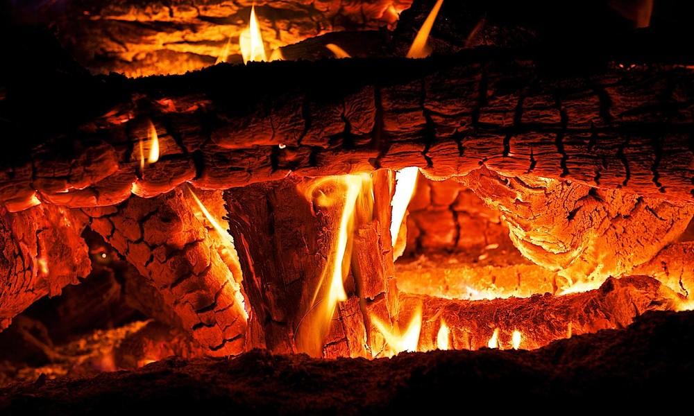 TV-Bild von Kaminfeuer löst Großeinsatz der Feuerwehr aus
