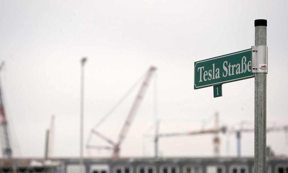 Tesla: Elon Musk will in Grünheide weltgrößte Batteriefabrik bauen