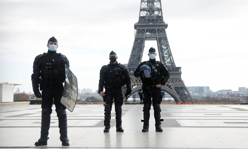 Schock über brutales Video: Pariser Polizisten attackieren schwarzen Mann