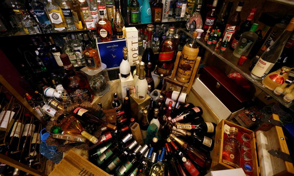 Rund 500 Flaschen in fünf Minuten: Frau demoliert Aldi-Spirituosenabteilung in England