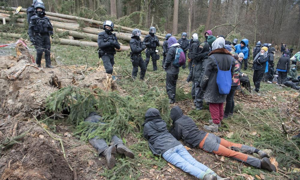 Eskalierende Proteste bei Räumung des Dannenröder Forsts
