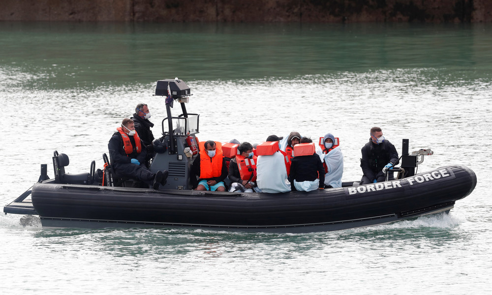 Neues britisch-französisches Abkommen: Mehr Drohnen und Polizei gegen illegale Einwanderung
