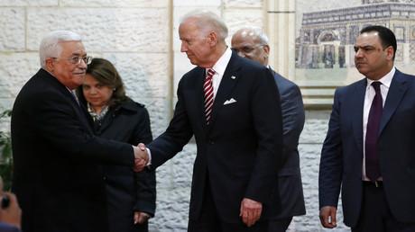 Neue Hoffnungen in Nahost nach US-Wahl: Abbas und Netanjahu gratulieren Biden zum Sieg. Auf dem Archivbild: US-Vizepräsident Joseph Biden und Palästinenserpräsident Mahmud Abbas bei einem Treffen in Ramallah im Westjordanland am 9. März 2016