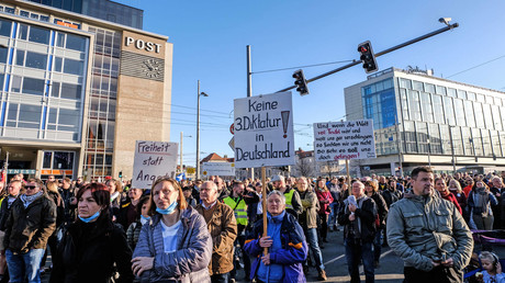 Demonstranten am Samstag in Leipzig