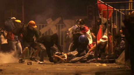 Proteste in Peru halten an – Polizei setzt erneut Tränengas ein